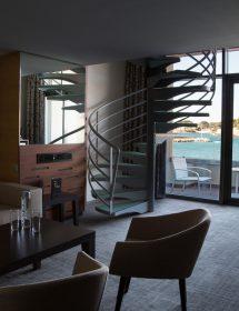 007_HOTELS
