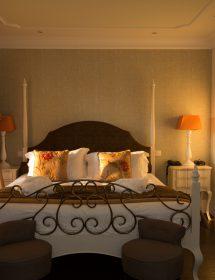 011_HOTELS
